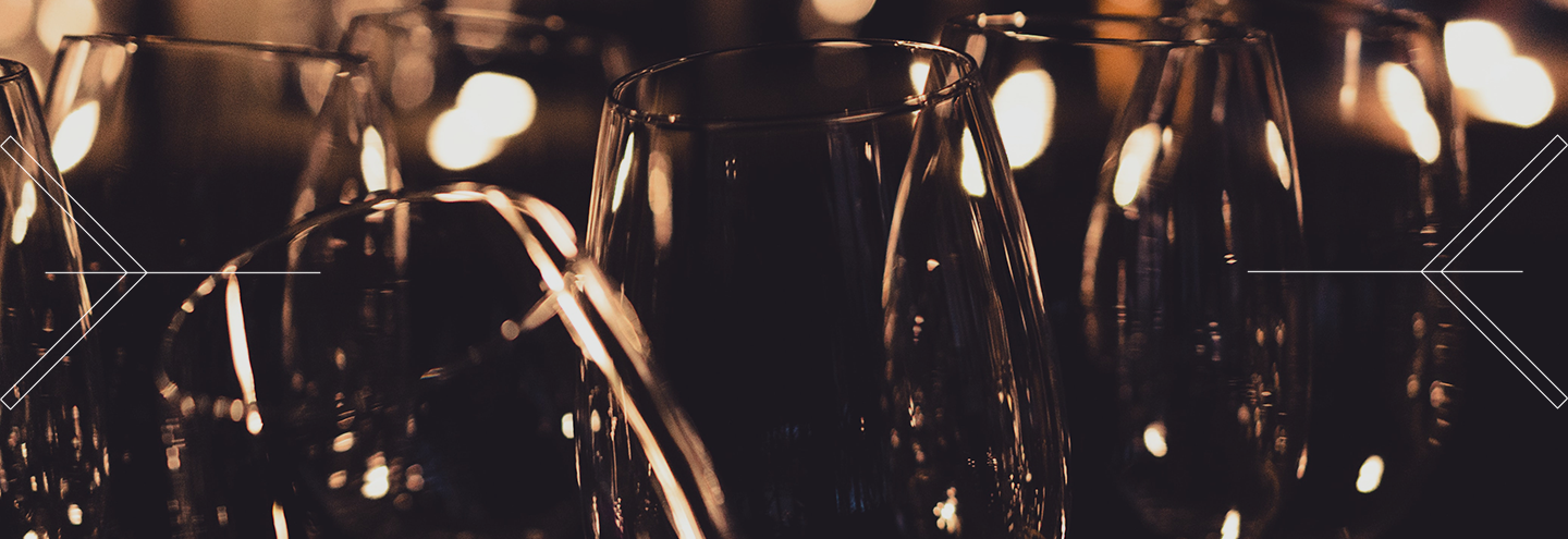 How to serve an aged wine: 8 golden rules
